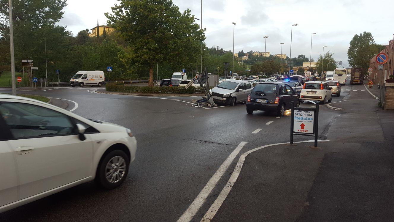 Due incidenti alle porte di Siena, traffico in tilt
