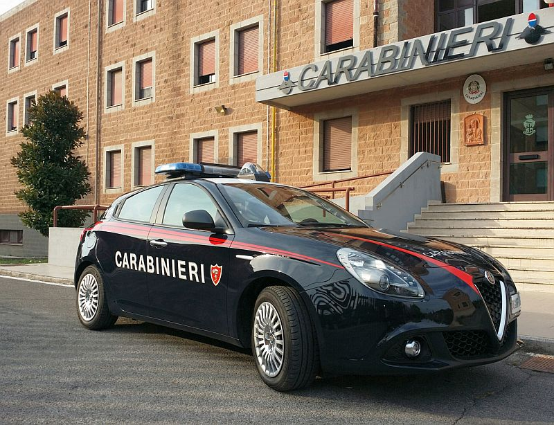 Evade dagli arresti domiciliari, carabinieri mettono in manette 22enne