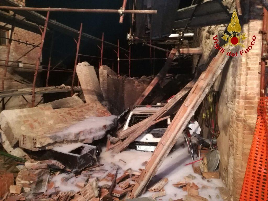 Strada di presciano crollato un muro nella notte radio for Muro robur