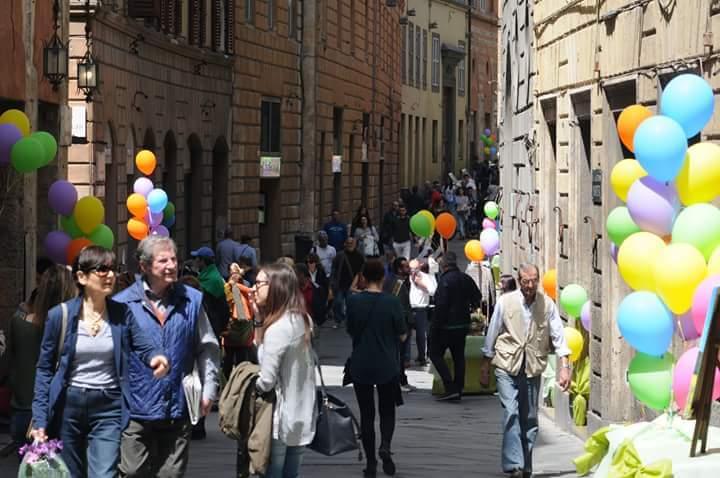 Sabato di festa in Via Montanini per il lancio delle nuove iniziative