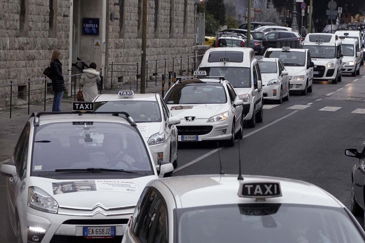 """Taxi, Cotas: """"Disservizi per il Palio senza deroga all'ordinanza del traffico"""""""
