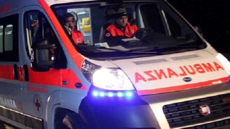 Positiva al Covid-19, da Bergamo a Siena in ambulanza privata con la sorella: denunciate
