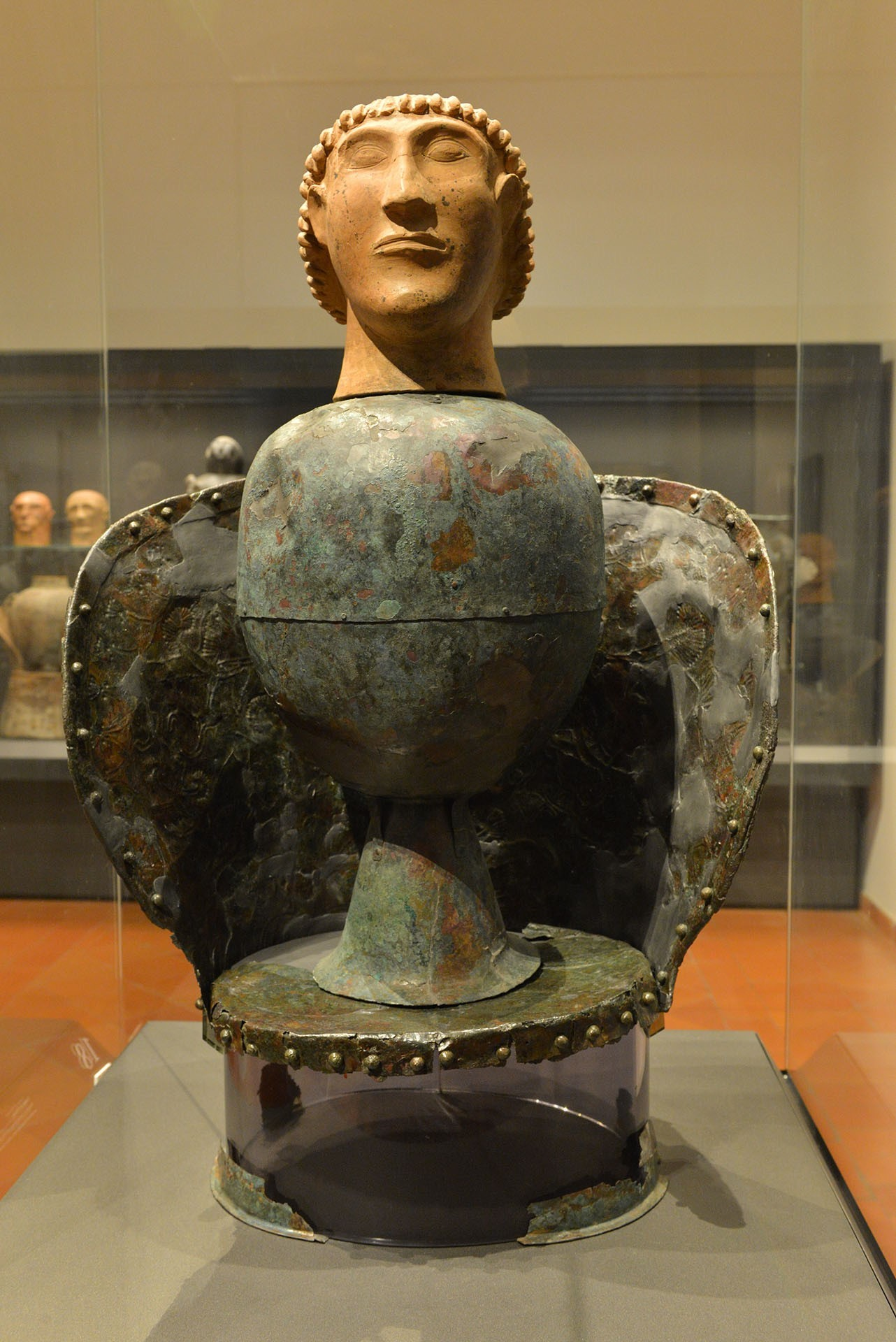 Chiusi, il canopo di Dolciano in una mostra etrusca in germania