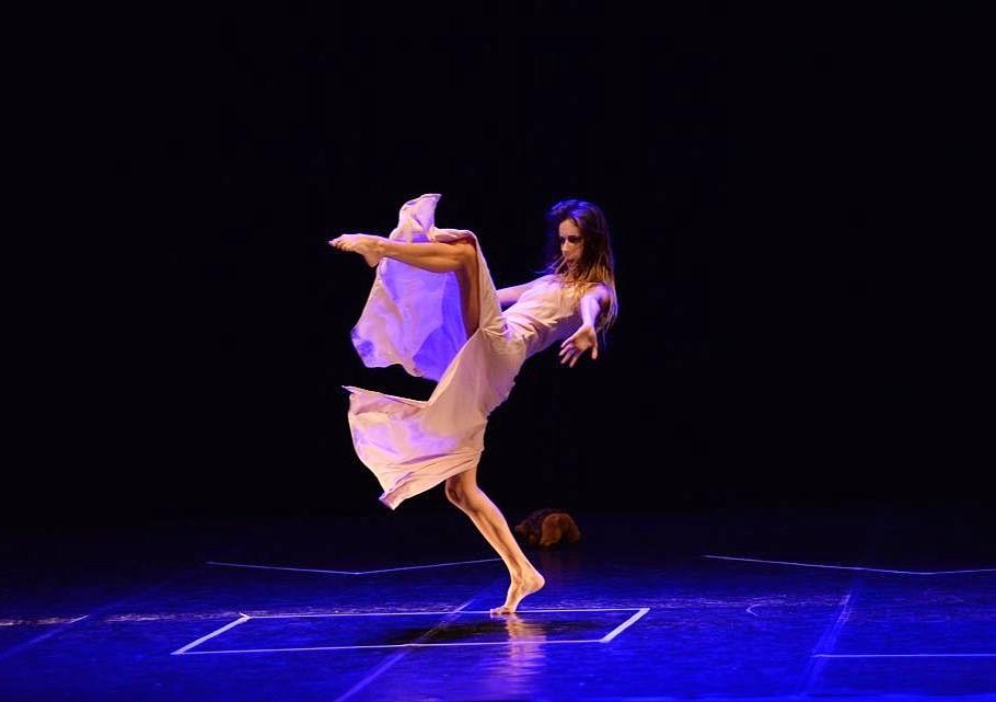 Move Off, sul palco dei Rinnovati la prima compagnia di danza contemporanea albanese ed i coreani Momuro