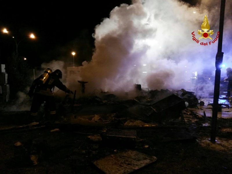 Isola d'Arbia, a fuoco la roulotte del Circo Medrano – FOTO
