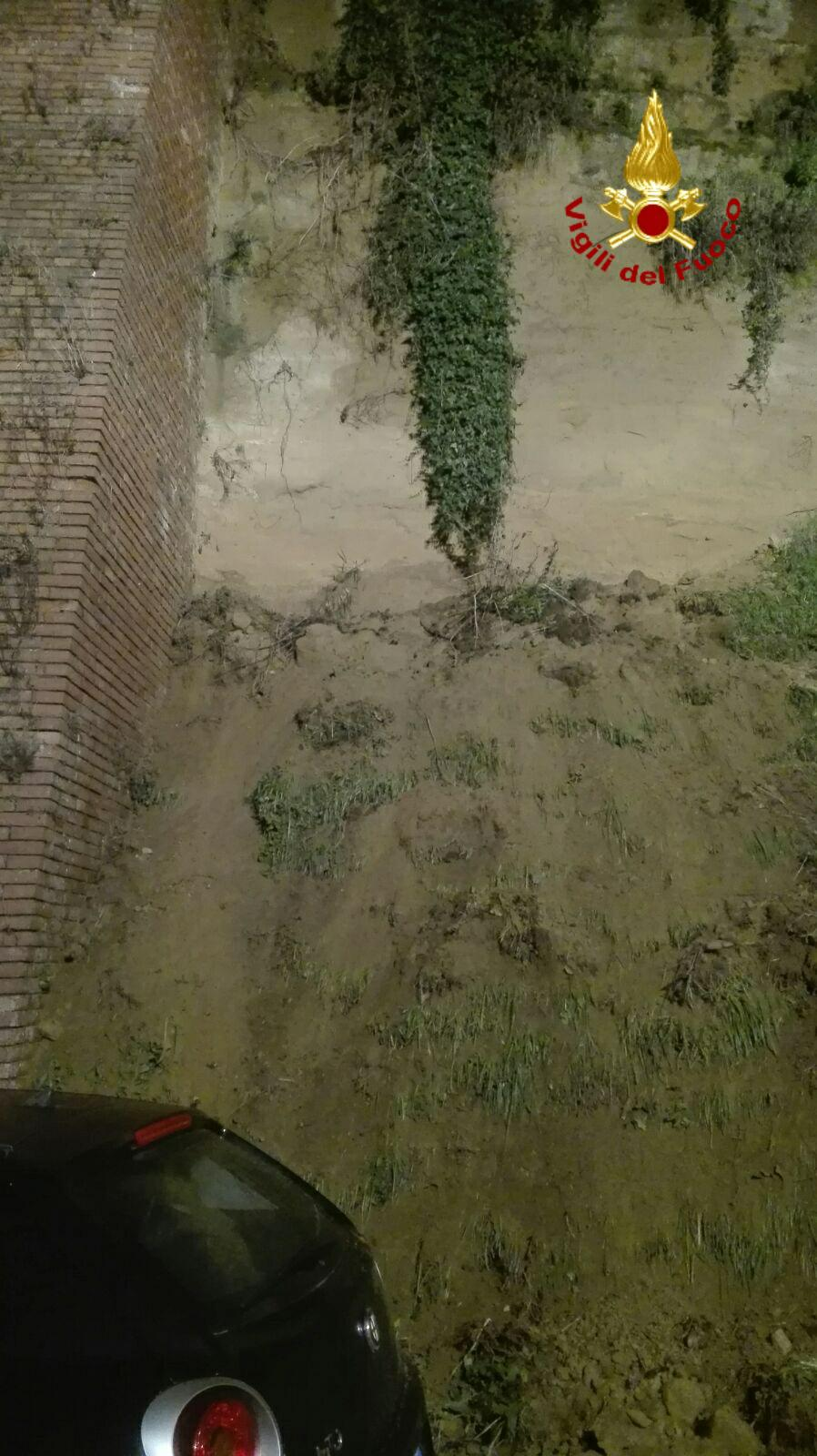 Smottamento di terra in via Don Minzoni