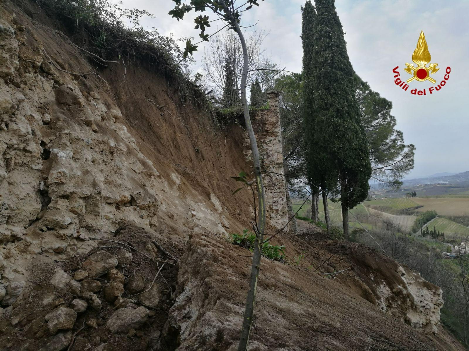 Crolla un tratto di 20 metri delle mura medievali di San Gimignano