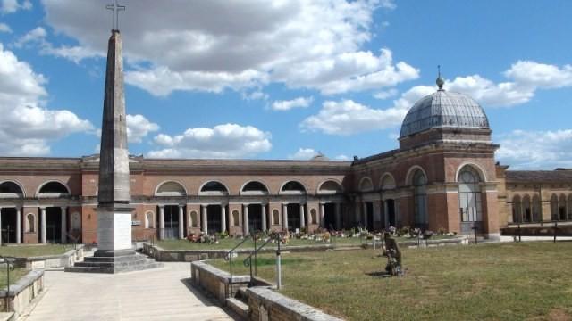 Il Consiglio comunale approva la sistemazione e l'ampliamento del cimitero della Misericordia