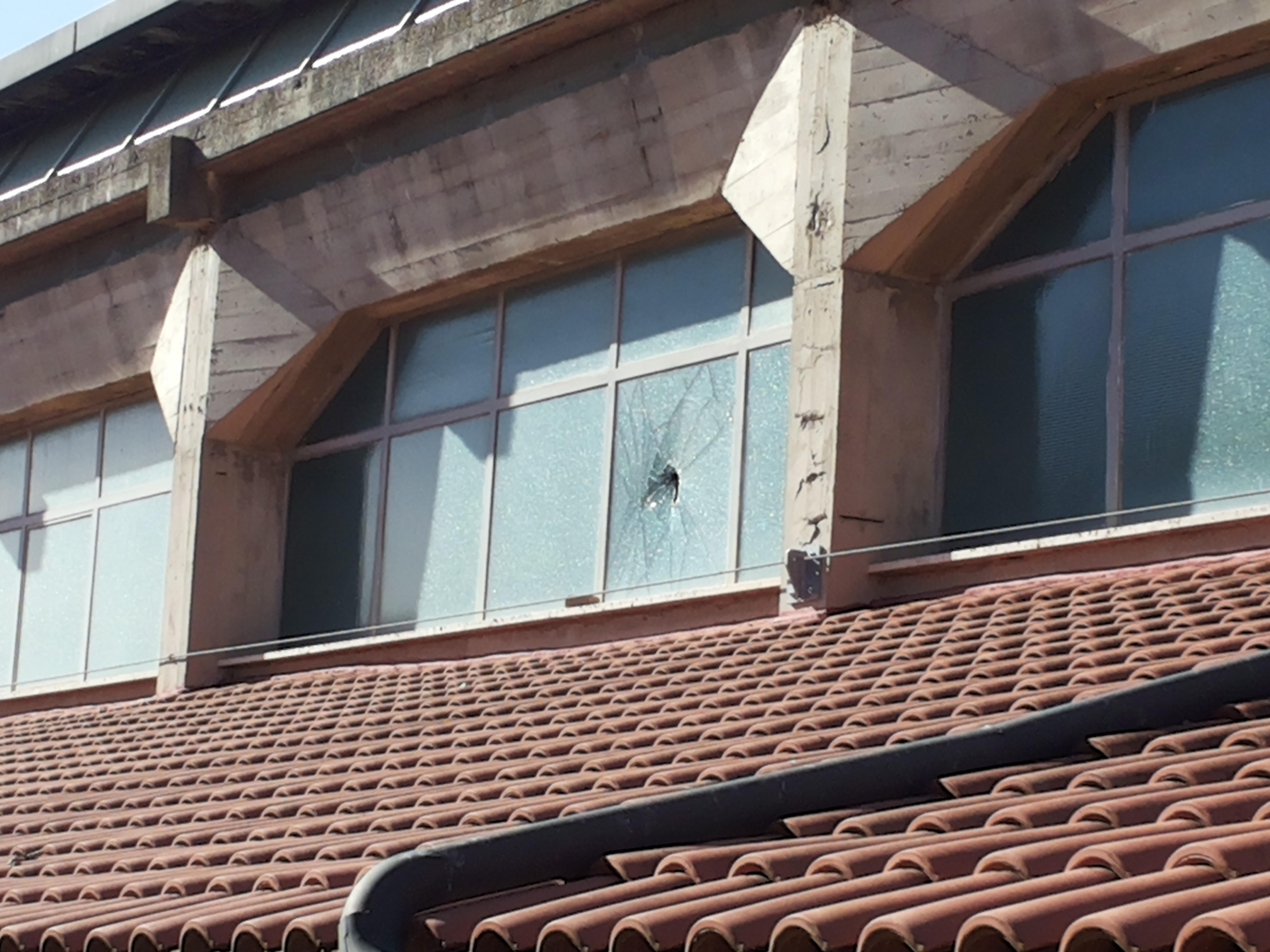 San Quirico d'Orcia, i vandali assaltano le scuole nella notte