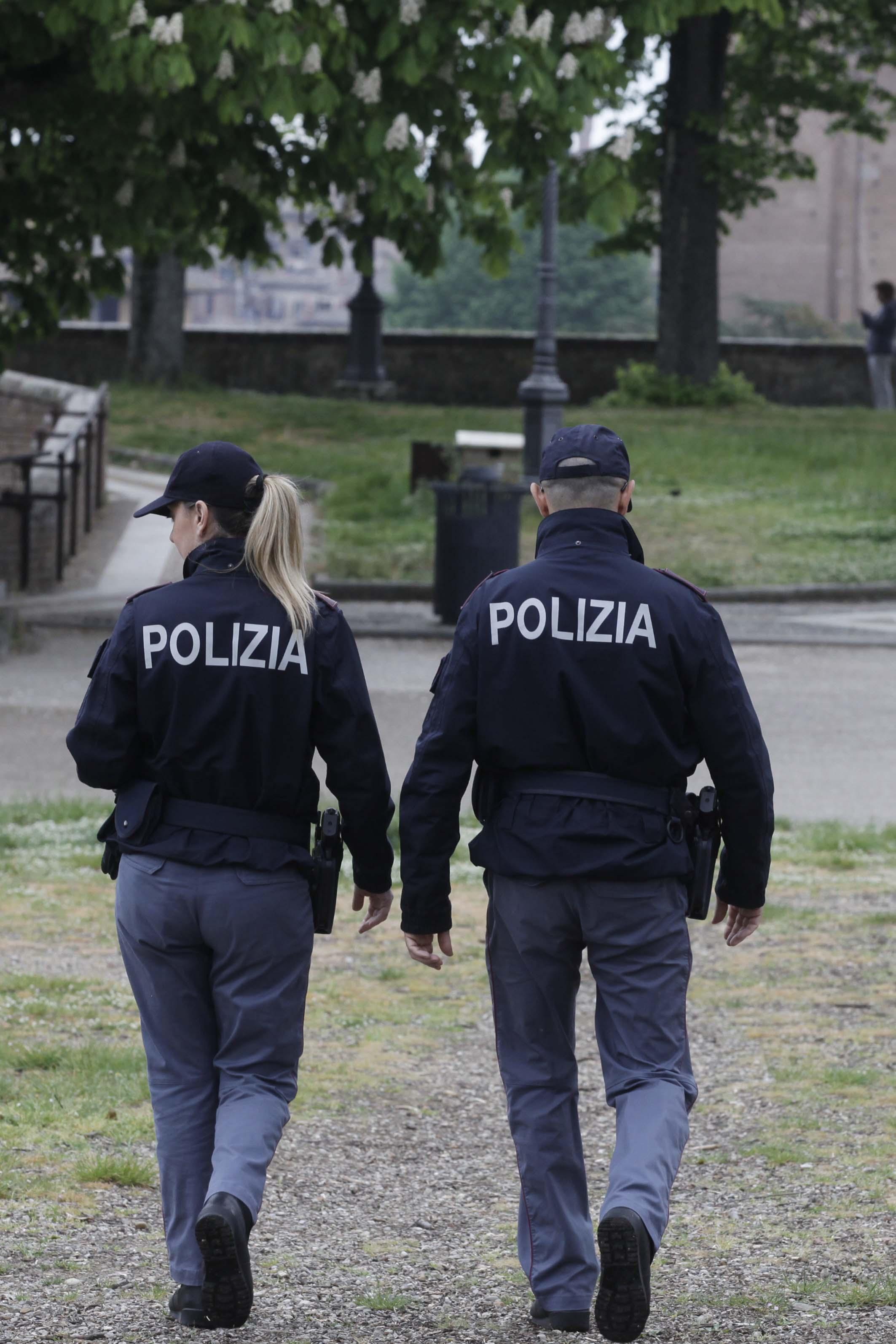 La Polizia stronca un giro di spaccio in pieno centro a Siena