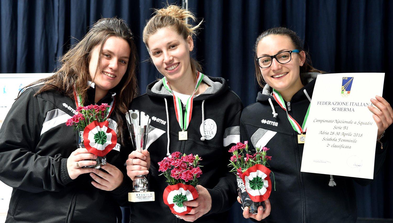 Il Cus Siena Scherma si tinge di rosa: grandi vittorie per le cussine