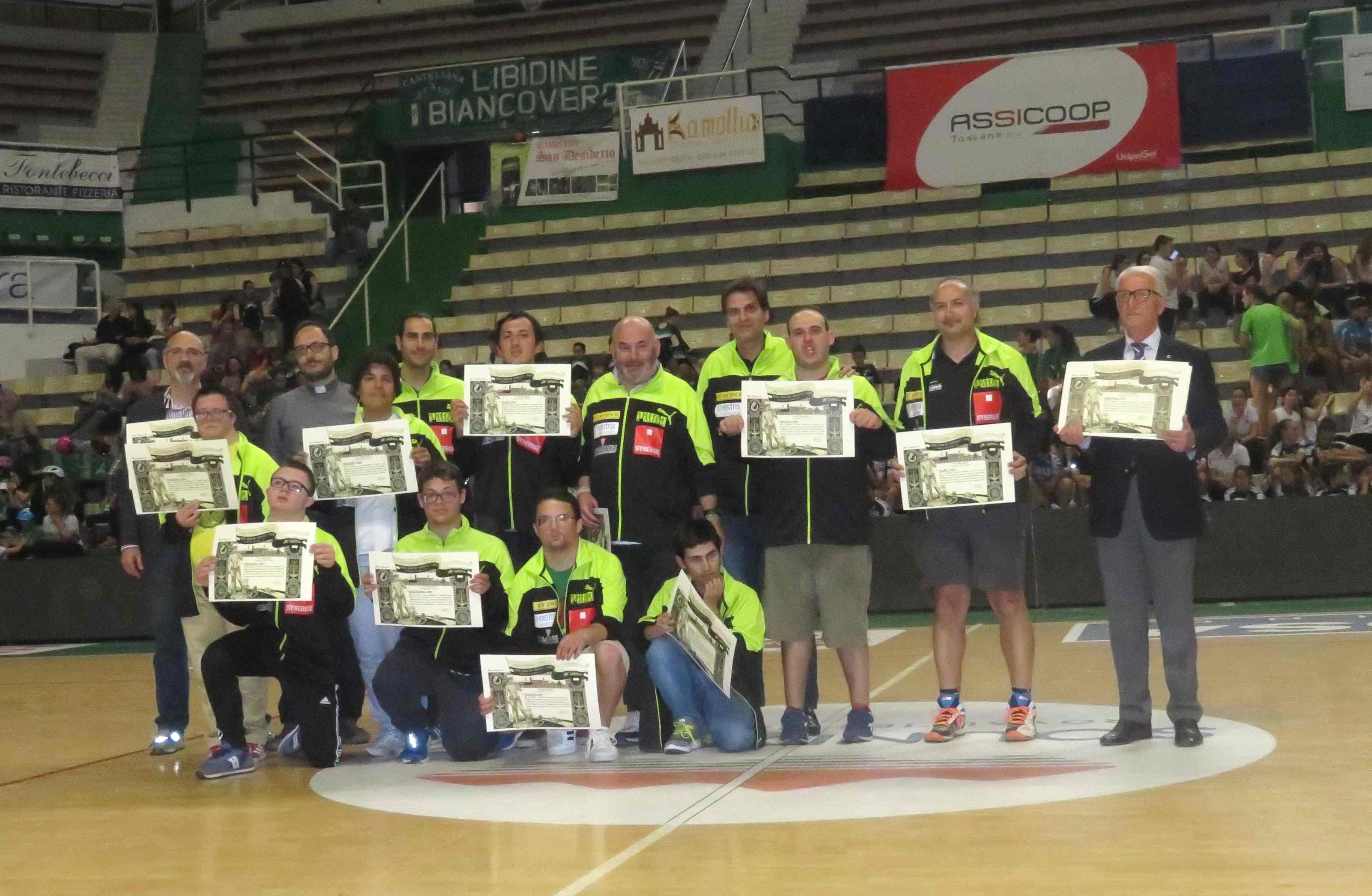 La squadra Baskin della Synergie Estra Costone premiata alla festa di chiusura della Polisportiva – FOTO