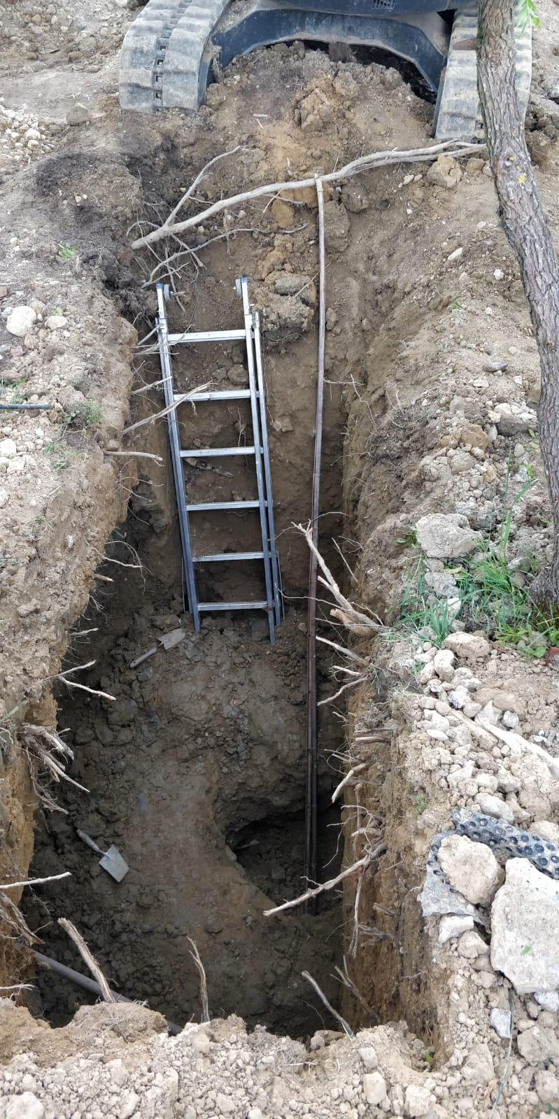 Incidente sul lavoro: scava con le mani e salva operaio sepolto