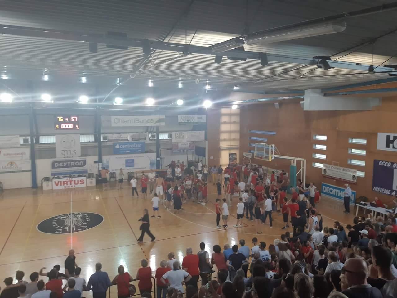 La Virtus Siena vola in B: battuta Livorno in gara5