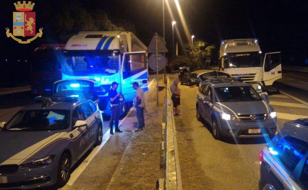 """Operazione """"Safe Driving for good transport"""", camionista sorpreso ubriaco al casello Valdichiana"""