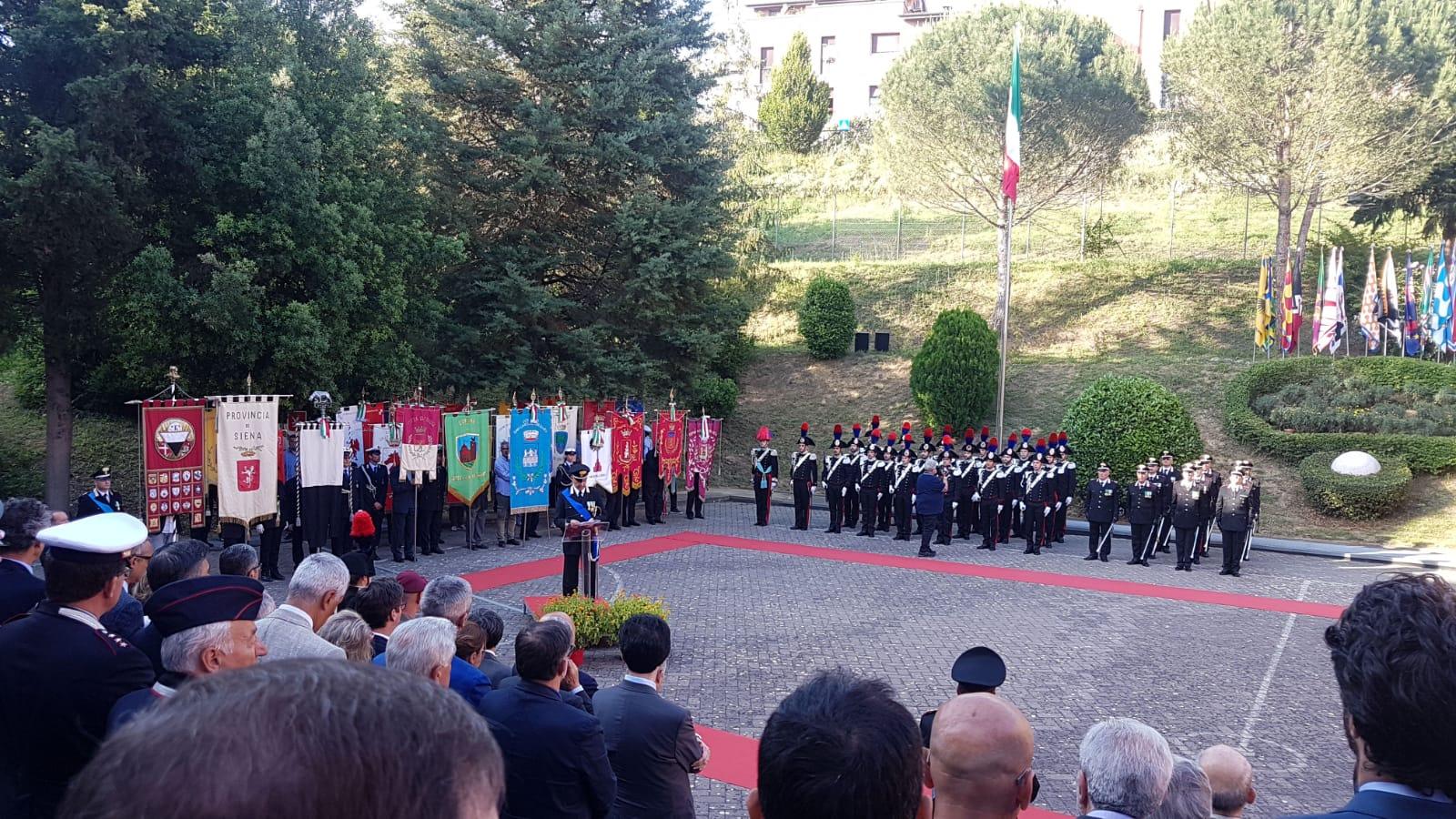 Alla caserma di Viale Bracci la cerimonia per i 204 anni dalla fondazione dell'Arma dei Carabinieri