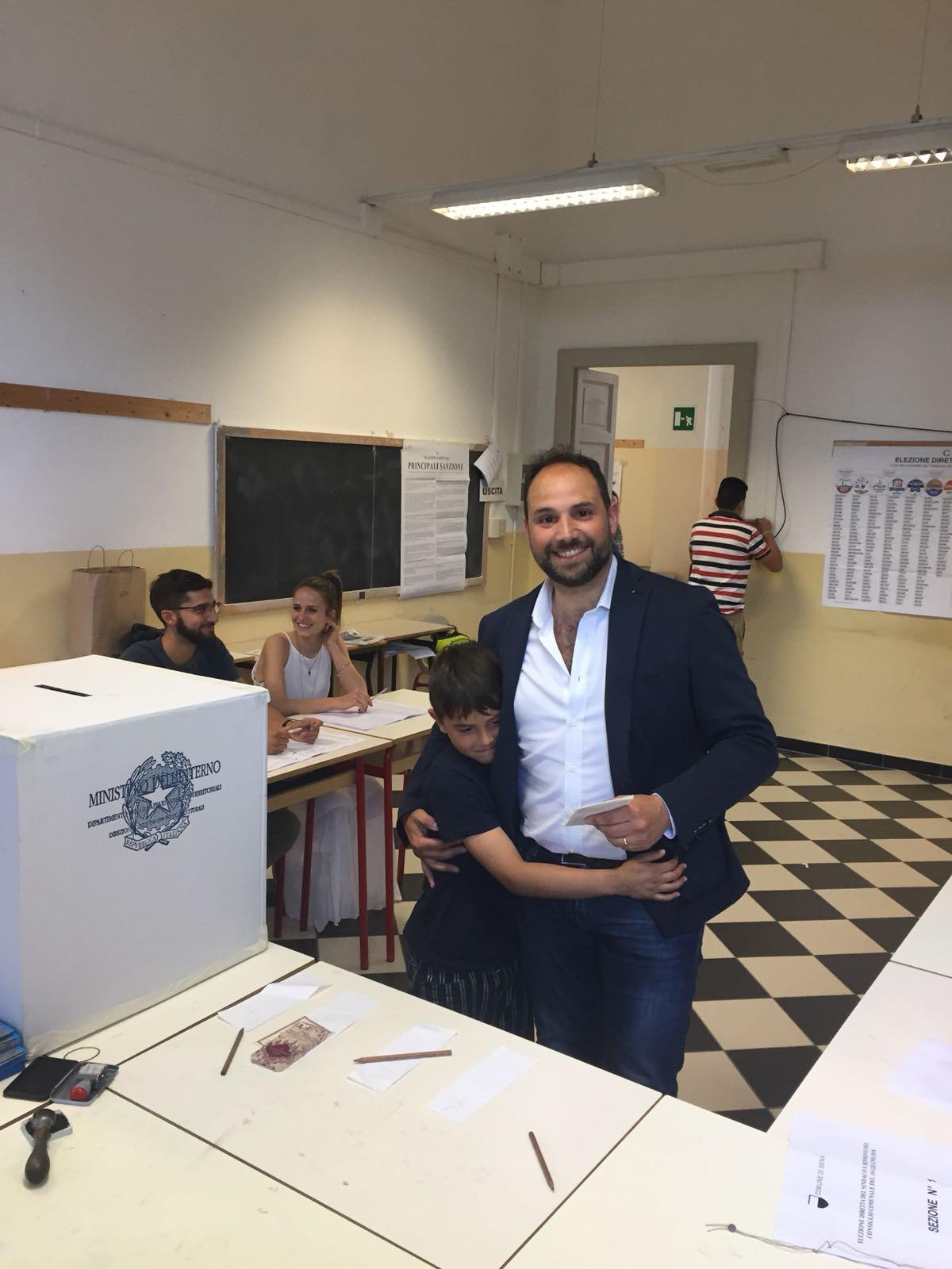 Pinciani è l'ultimo dei candidati a votare