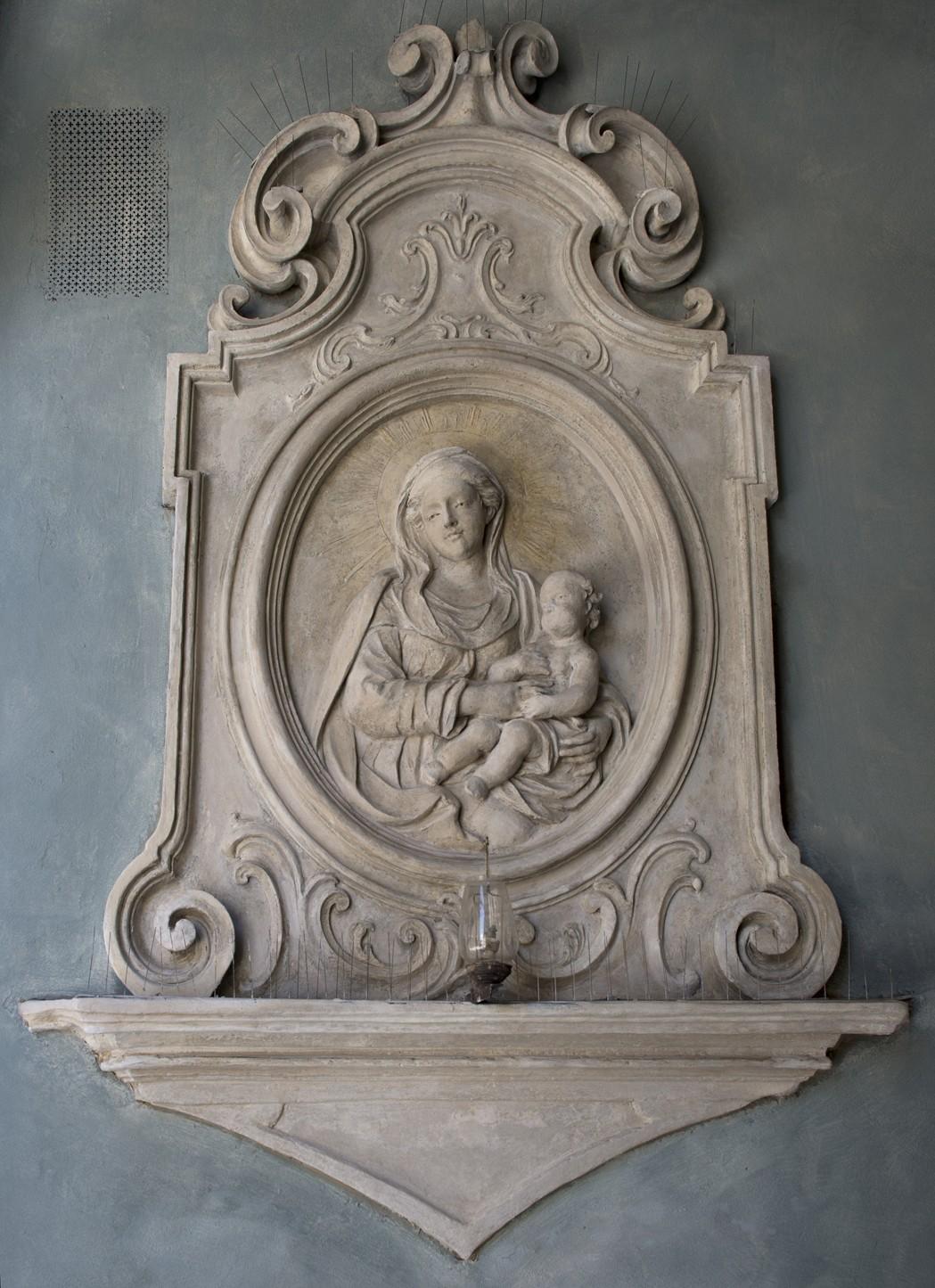 Restaurato da Kamullia Onlus il Tabernacolo di Vicolo dello Sportello