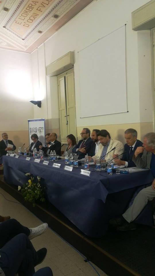 Oltre 240 persone al confronto tra i nove candidati a sindaco: tutti i temi e le proposte per Siena