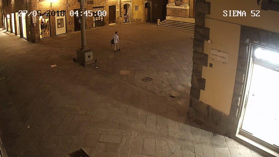 Preso il vandalo che ha deturpato i muri del centro storico