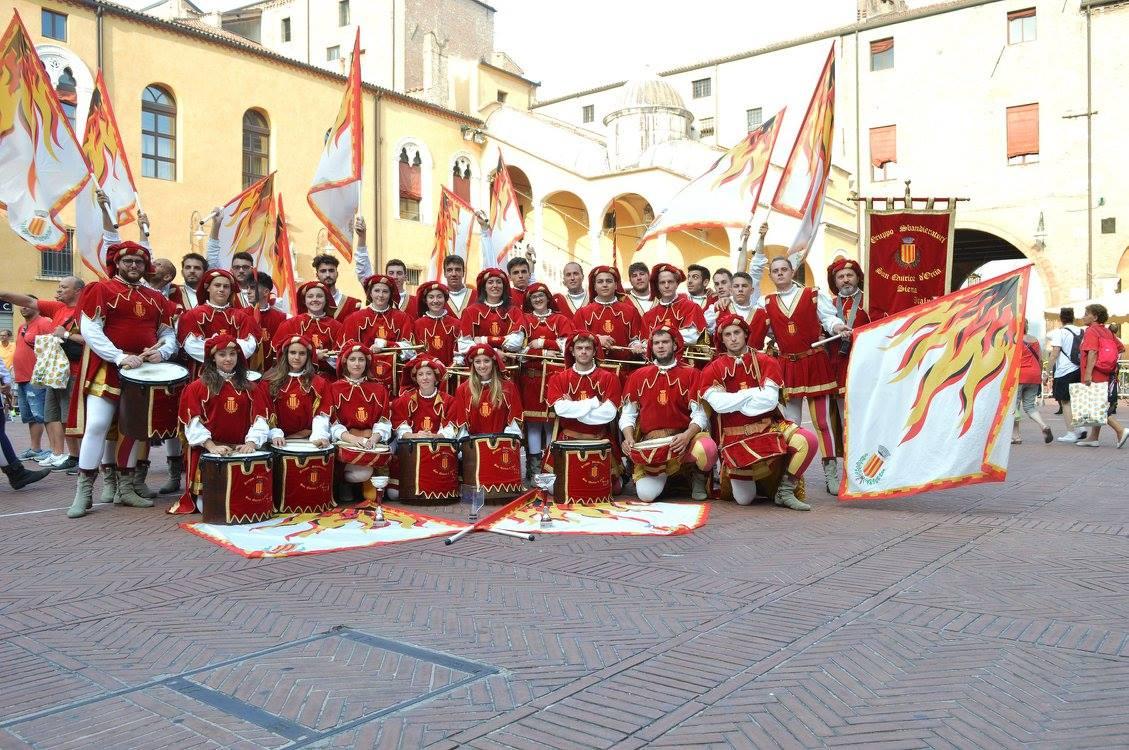 Gruppo Sbandieratori San Quirico alla conquista del Campionato italiano di musici e bandiere Tenzone Bronzea