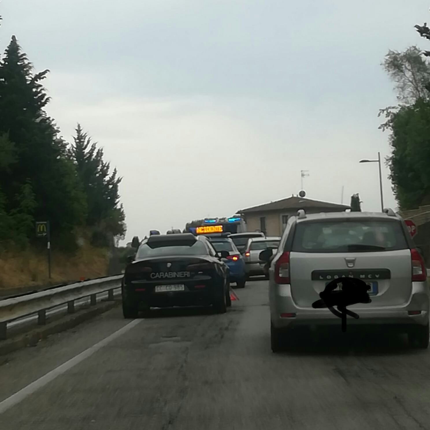 Incidente stradale all'ingresso di Siena Nord