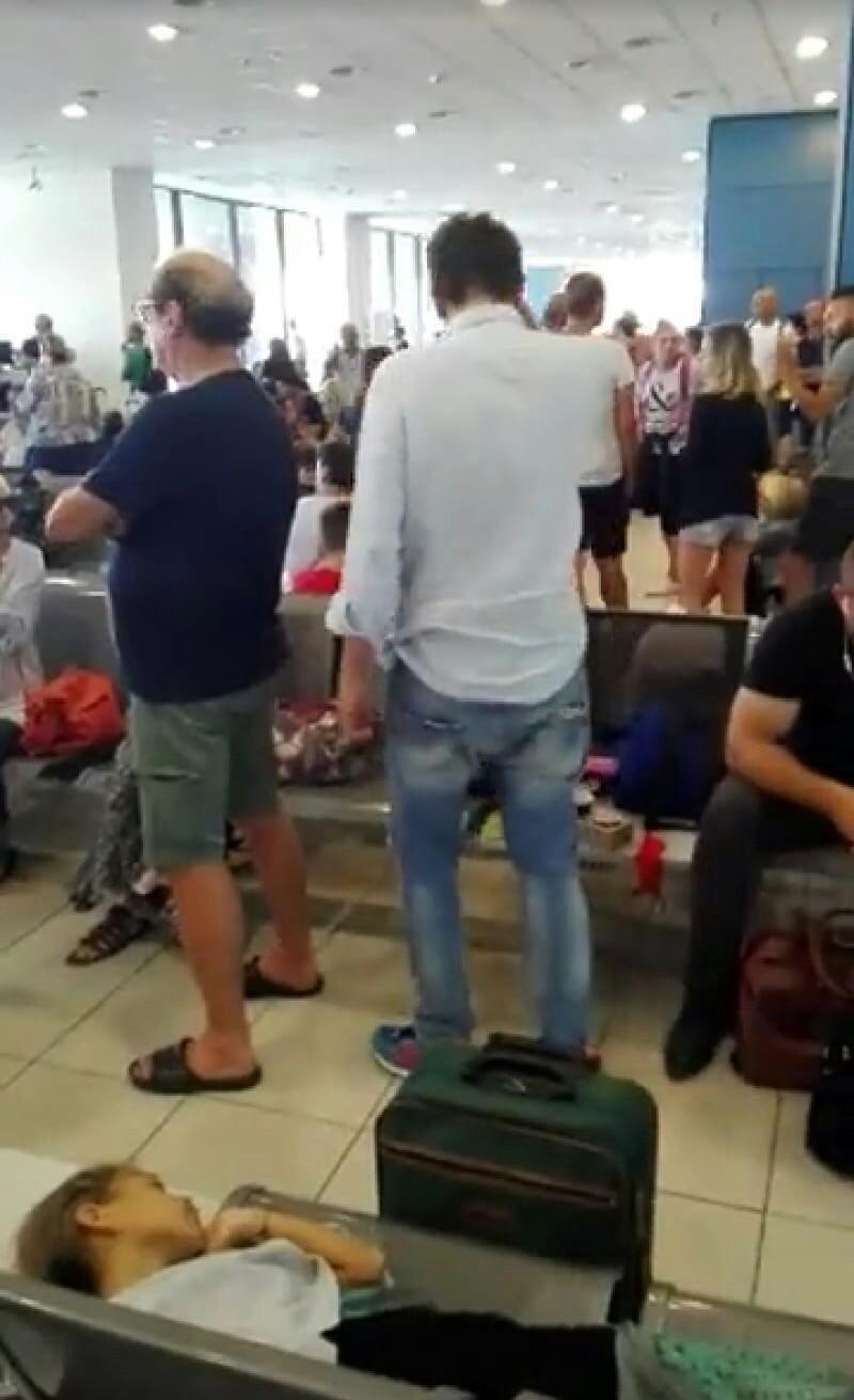 Turisti senesi bloccati all'aeroporto di Rodi