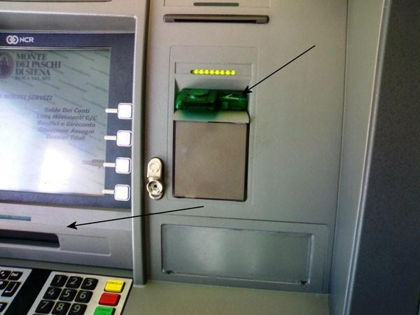 Bancomat clonato: sequestrato skimmer in Via Banchi di Sotto