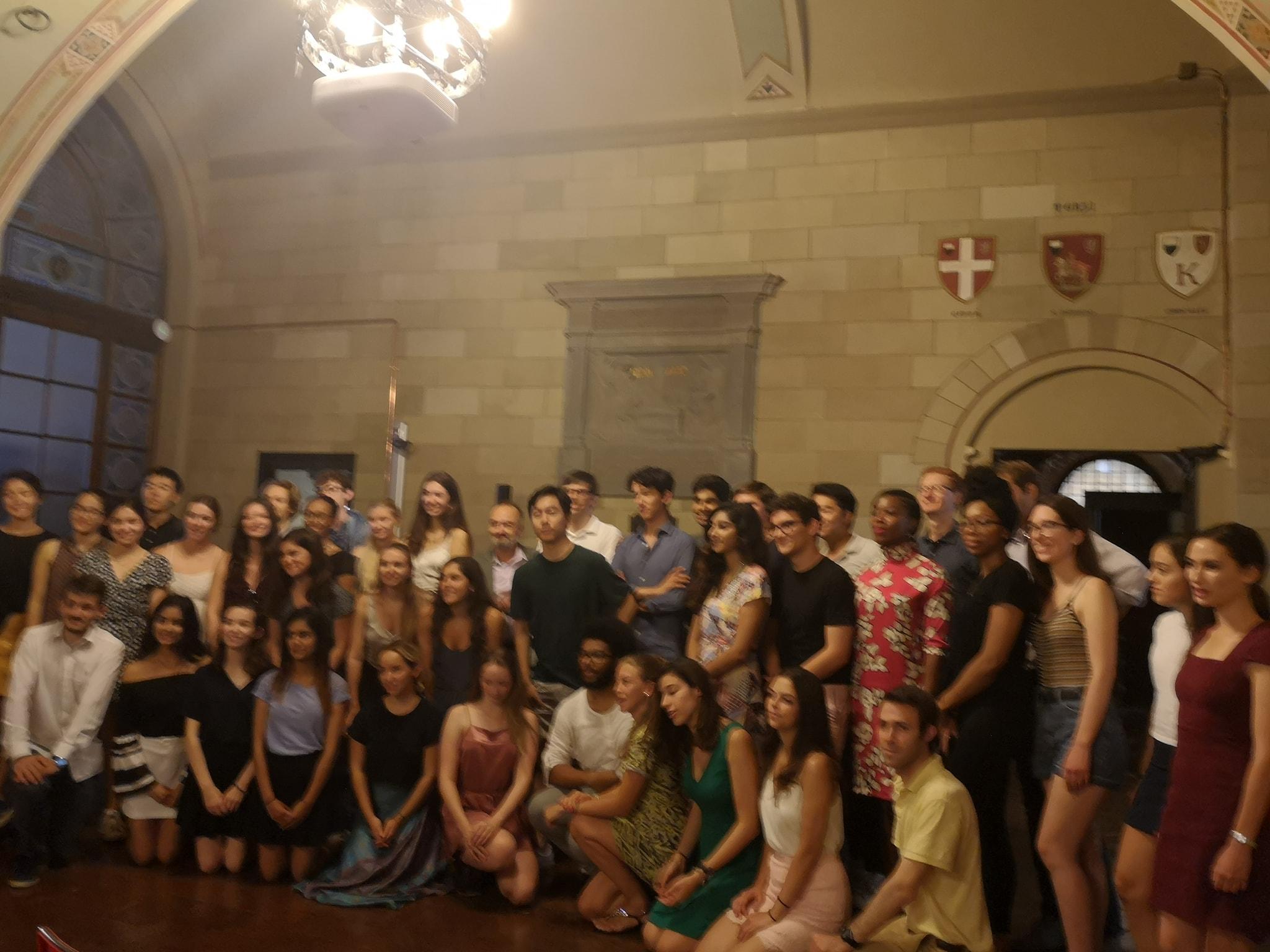 Gli studenti di Harvard University ammirano i tesori del Palazzo Pubblico