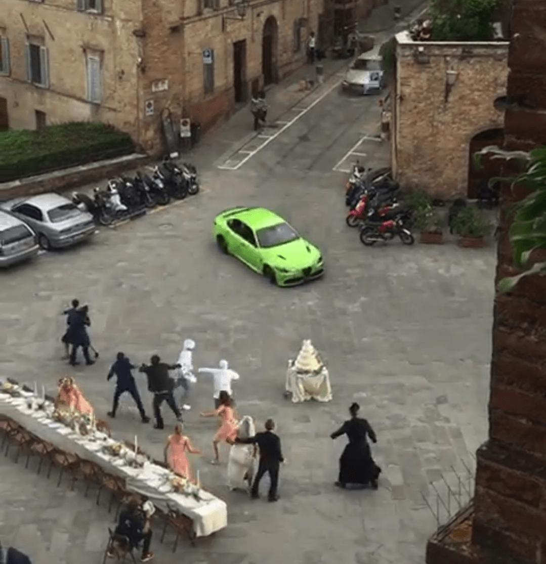 Matrimonio rovinato in Provenzano, ma è Six Underground: le eccezionali immagini