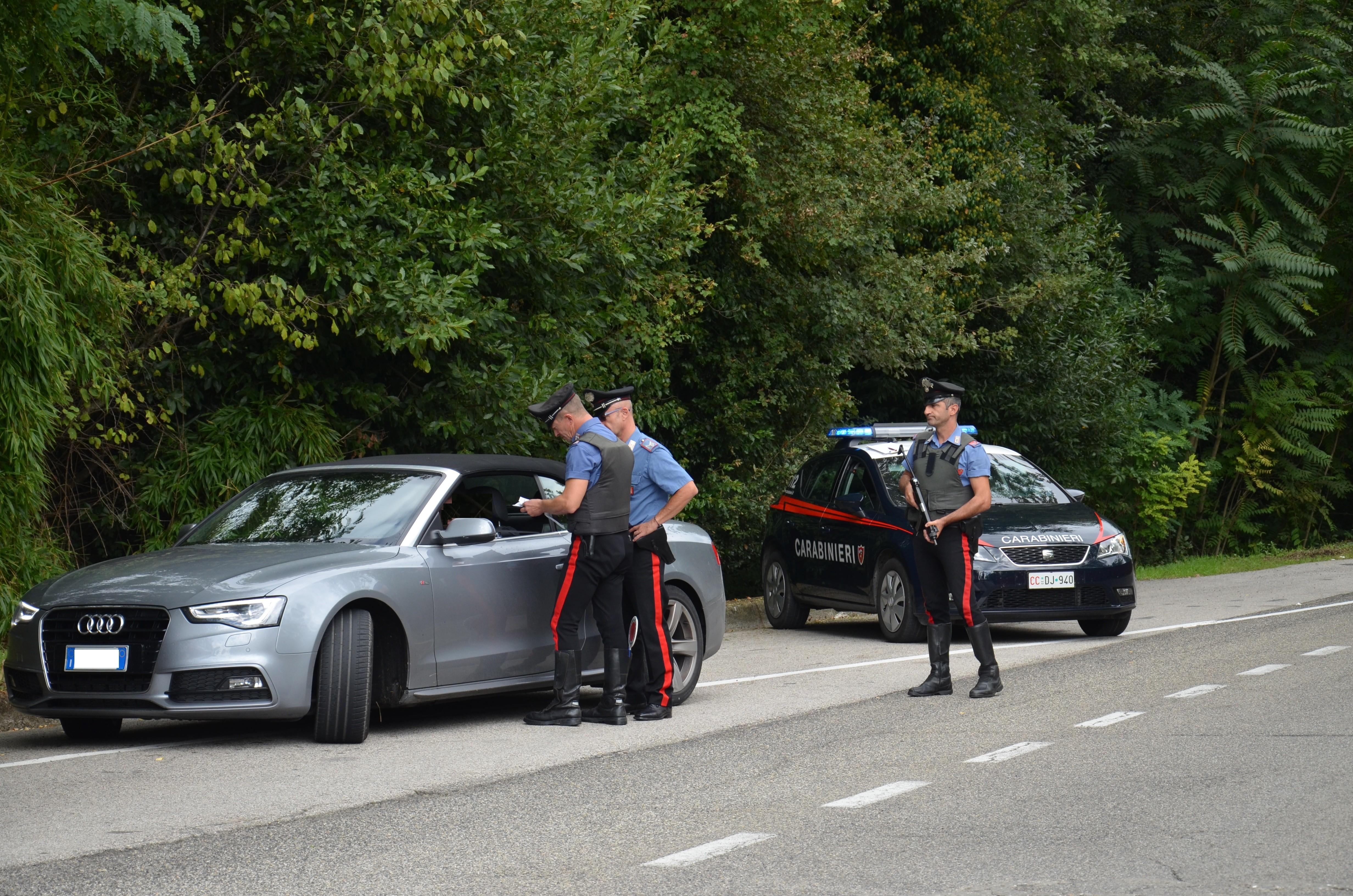 Carabinieri, multate 30 persone nella giornata di Pasqua a Siena. Sanzionato anche un esercizio commerciale