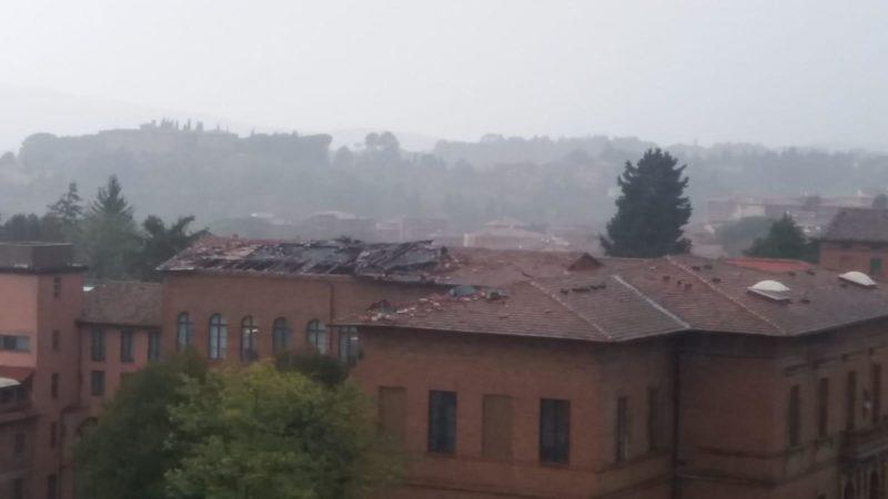 Tempesta su Siena, danneggiato il tetto della scuola Saffi
