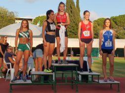 Podio con Giada Bernardi (centro) dei 300m ai Campionati toscani cadetti 2018