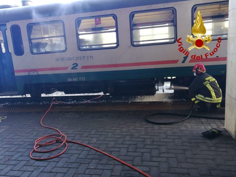 Vagone del treno prende fuoco