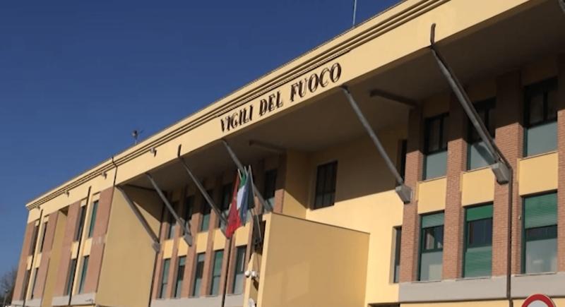 """Vigili del Fuoco, consegnato assegno da 4mila euro all'associazione """"Aquattromani"""""""