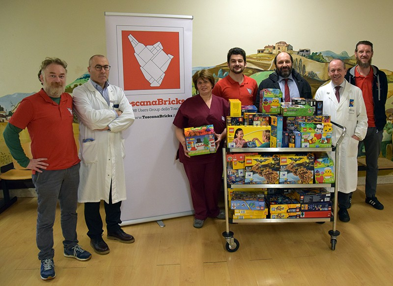 Toscana Bricks dona 80 scatole di costruzioni ai bimbi di Pediatria