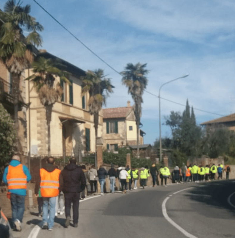 """Camminata slow Coroncina-Piazza del Campo: """"Più sicurezza stradale, basta morti in strada"""""""