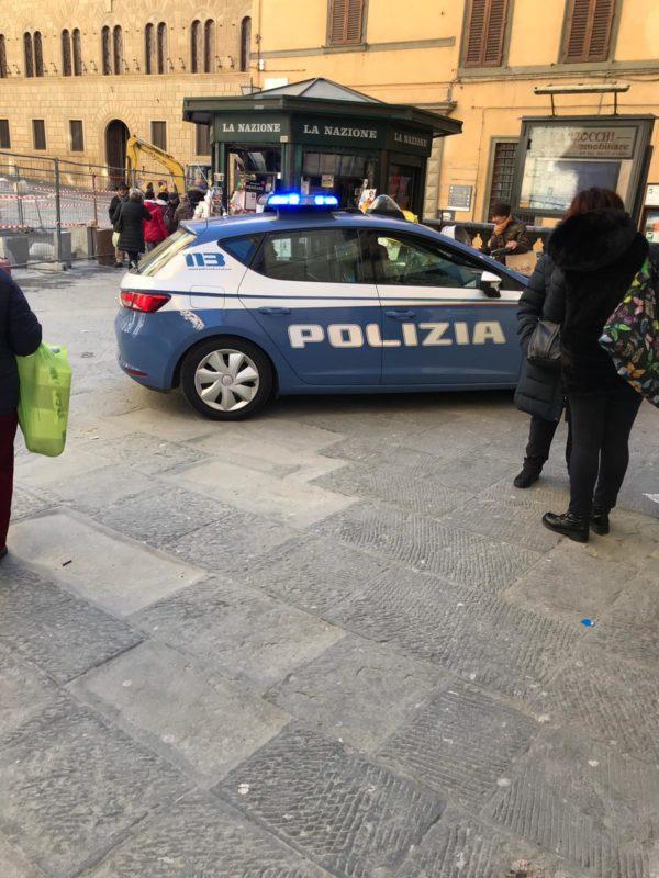 La Polizia ferma due borseggiatrici al Consorzio Agrario