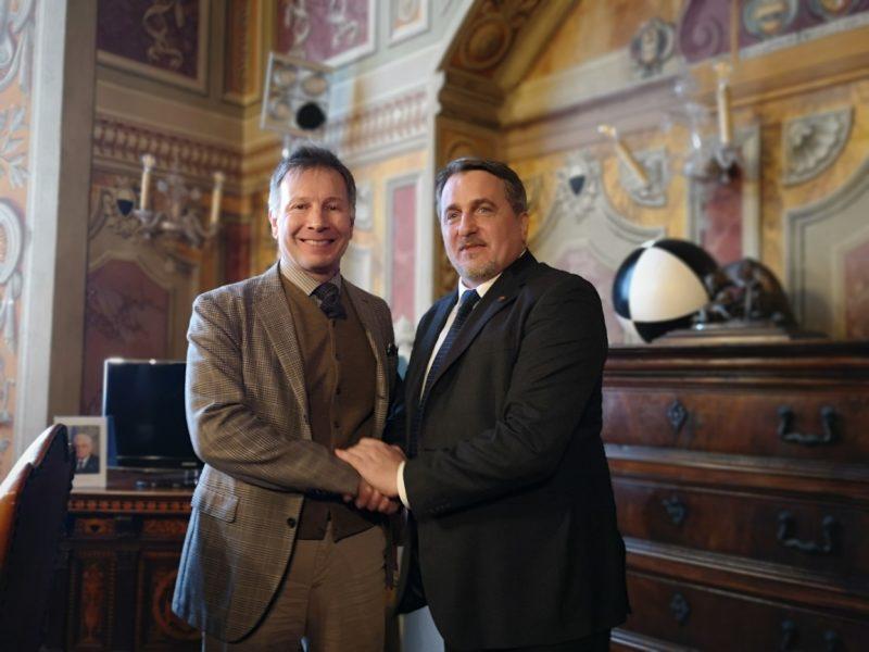 Cittadini romeni a Siena, incontro tra il sindaco De Mossi e Stefan Stanasel