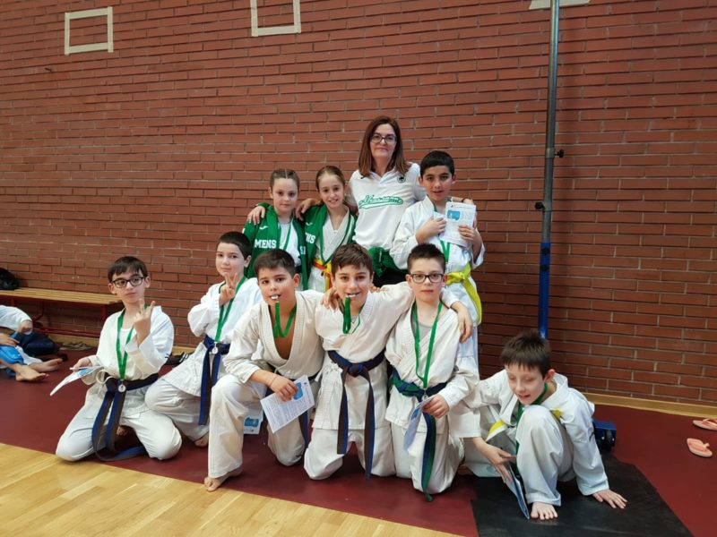 Tante medaglie per i giovanissimi della Mens Sana Karate