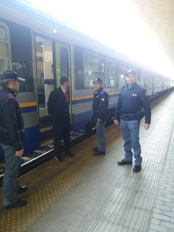 Danneggia tabacchi e scappa, Polizia denuncia 50enne arrivato a Siena dall'Emilia Romagna