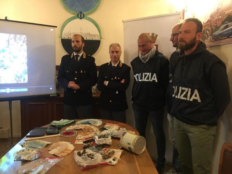 """""""Bosco Segreto"""": rifornivano di droga il senese, maxi operazione della Polizia per stroncare il giro"""