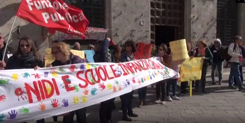 """Statalizzazione scuole, presidio in Piazza del Campo: """"I servizi devono mantenere la propria identità di gestione diretta"""""""