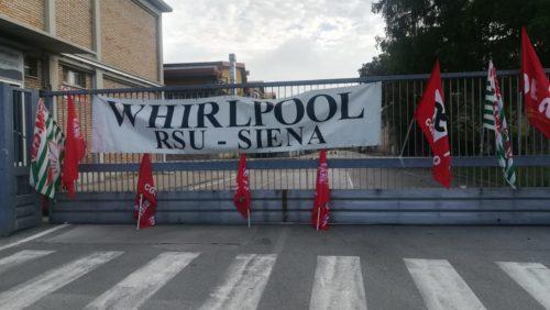 """Whirlpool, domani nuovo incontro: """"Non chiudiamo a Napoli. Cerchiamo una soluzione"""