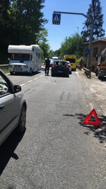 Incidente sulla Ss Levante, traffico in tilt