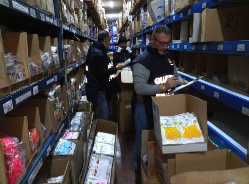 Guardia di Finanza senese, da inizio anno oltre 200.000 prodotti sequestrati