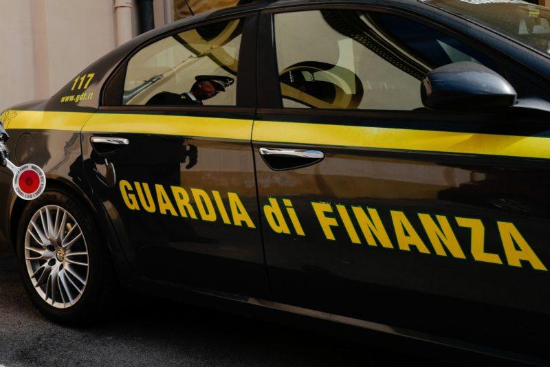 La Guardia di Finanza vigila sui buoni spesa a favore dei bisognevoli in Valdelsa
