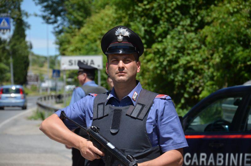 """""""Voglio essere arrestato"""", tossicodipendente chiama i carabinieri"""