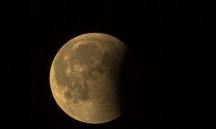 Guarda che Luna. Appuntamento in Fortezza per osservare l'eclisse parziale