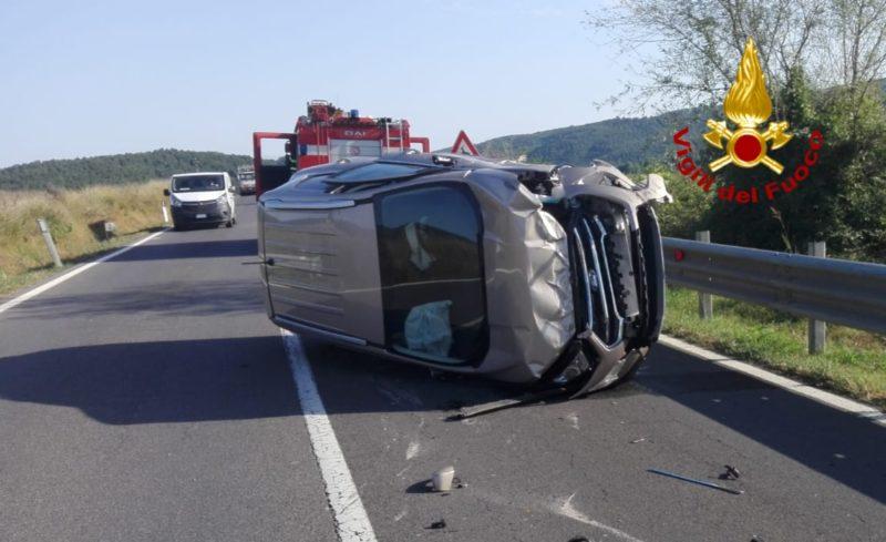 Scontro frontale tra due auto sulla Siena Grosseto: due i feriti